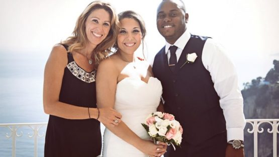 positano wedding officiant with US bride and groom married in italy
