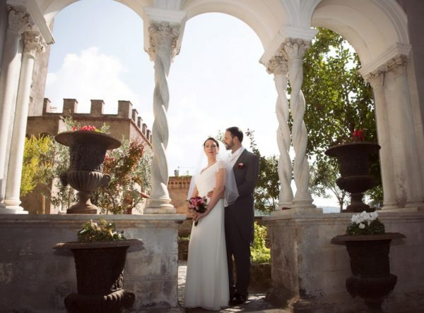 cloister wedding photo shoot Rome, bride and groom Tivoli Wedding