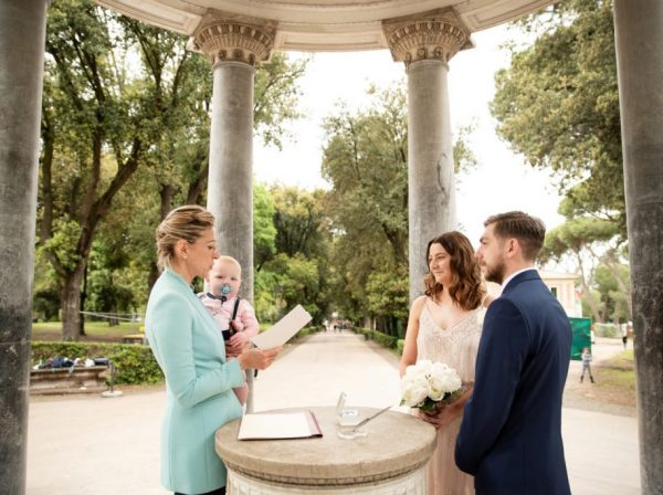 Rome elope ceremony @ Diana's Temple, Villa Borghese with baby