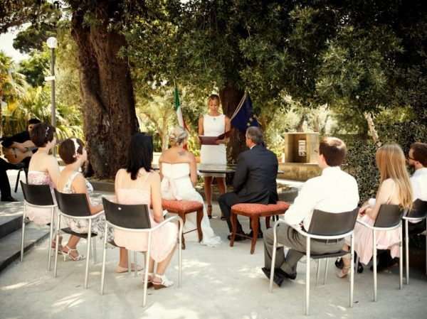 Ceremony, Villa Fondi, Sorrento celebrant with guests and couple